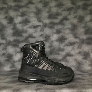 Nike Zoom Superdome Black Boots